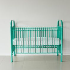 a classical and timeless baby cot.  declan comes in a gorgeous spearmint colour.  features stationery side rails and two mattress heights.  expertly crafted of sturdy and strong iron with simple curves.