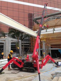UNIC mini-crawler crane Landscaping Equipment, Crawler Crane, Welding Gear, Construction, Garage Workshop, Civil Engineering, Heavy Equipment, Tool Box, Diy Projects