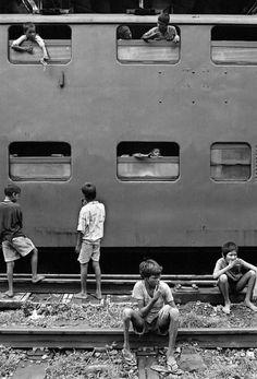 Dario Mitidieri - From 'Street Children of Bombay' Series