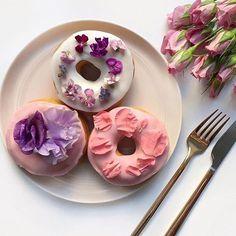 Donuts, donuts, donu