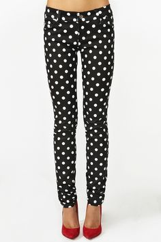 Spotted Skinny Jeans... Normally I don't like polka dots but these are cute! Especially with the red heels!