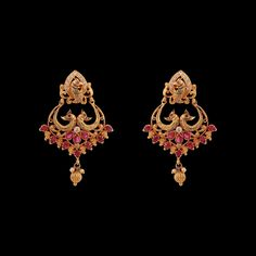 Manifest true grace and enduring charm with these Kriya Yellow Gold Peacock Drop Earrings. Gold Jhumka Earrings, Jewelry Design Earrings, Gold Earrings Designs, Gold Jewellery Design, Antique Earrings, Bridal Earrings, Gold Jewelry, Jewelery, Traditional Earrings