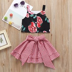 Fashion Toddler Little Girl Flower Crop Top Matching White and Red Plaid Big Bow Skirt Baby Girl Dress Patterns, Baby Dress Design, Dresses Kids Girl, Little Girl Outfits, Little Girl Fashion, Toddler Fashion, Fashion Kids, Kids Outfits, Fashion Top