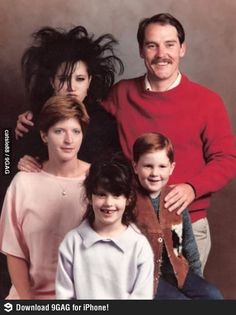 b4c3748c58c1d72c6bf1319713d390a1 awkward family pictures awkward photos 29 awkward family photos that will make you cringe viralscape