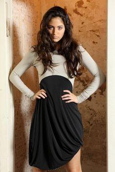 Asymmetrisches Jersey Kleid/ mit Stickerei/ von SongbirdFashion, €89.90