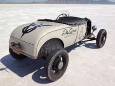 crowncitykustom:  via http://blog.hemmings.com/index.php/2014/09/05/of-machines-and-men-profiles-of-some-of-the-vehicles-and-drivers-at-this-years-race-of-gentlemen-2/