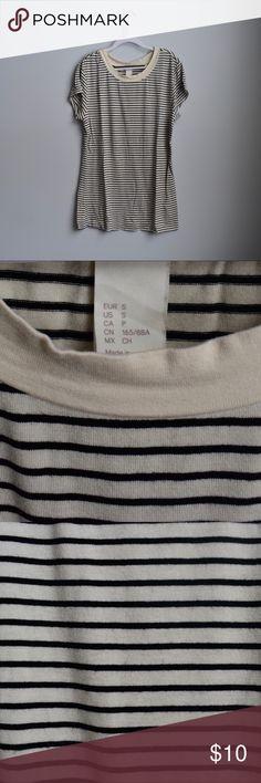 728c65ef83 H&M Basic Black&White Tee H&M Basic Black&White Tee Size: small Brand: H&M Never  worn