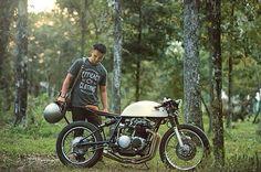/// Kinetic Motorcycles - 1971 Honda CB500