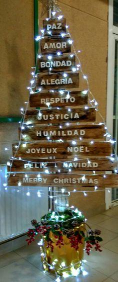 Árbol de Navidad en madera'16