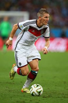 Bastian Schweinsteiger Photos - Germany v Argentina: 2014 FIFA World Cup Brazil Final - Zimbio