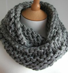 Hand Knitted Things: Steel Grey Chunky Circular Scarf Free Knitting Pattern - this is going on my list of things to knit! Loom Knitting, Knitting Patterns Free, Knit Patterns, Free Knitting, Free Pattern, Start Knitting, Finger Knitting, Chunky Knit Scarves, Crochet Scarves