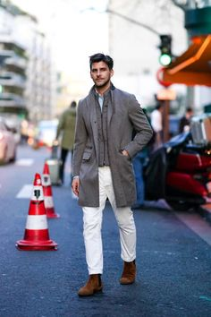 Johannes Huebl Photos Pictures and Photos - Getty Images Milan Men's Fashion Week, Fashion 2020, Mens Fashion, Paris Fashion, Johannes Huebl, Long Jackets, White Pants, Suede Shoes, Brown Suede