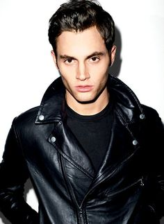 Hottest damn picture of Penn Badgley that I've ever laid eyes on!
