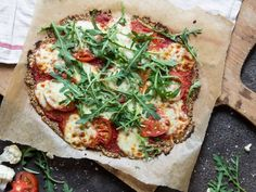 Low Carb-Pizza mit Blumenkohl und Chia-Samen