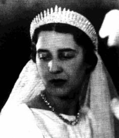 Princess Nicholas of Greece and Denmark wears her mother's diamond fringe tiara, ca. 1910 Lots of royal families have diamond fringe t...