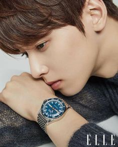 Here's yet another heartthrob pictorial featuring ASTRO's Cha Eun Woo for Arohas, for the December issue of 'Elle' magazine!