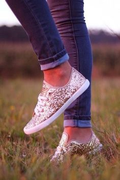 You do not always need heels to dress up a casual outfit. These gold sneakers are adorable and perfect for bringing some glam. | 7 Ways to Dress up a Casual Outfit