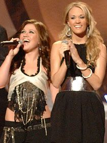 Carrie Underwood & Kelly Clarkson @ Idol Gives Back Concert