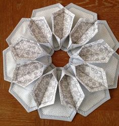 Fold 'n Stitch Blooms Table Topper