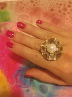 Ring pearl and gold
