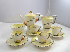 Tea Sets Vintage, Vintage Cups, Vintage China, Vintage Tableware, Floral Theme, Chocolate Pots, Coffee Set, Vintage Patterns, Cup And Saucer