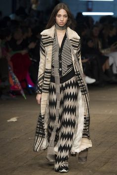 7701710ecd025 See the complete Missoni Fall 2016 Ready-to-Wear collection. Milan Fashion  Weeks
