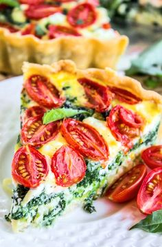 Low FODMAP Recipe and Gluten Free Recipe - Roasted tomato, basil & Parmesan quiche http://www.ibs-health.com/low_fodmap_roasted_tomato_basil_parmesan_quiche121.html