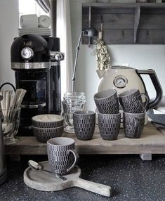 10 Cute And Functional Coffee Station In Your Kitchen Kitchen Design Designing a great kitchen should start with the kitchen-coffee station. There are so many choices for this aspect of your kitchen design and the basic. Coffee Station Kitchen, Cool Coffee Tables, Small Dining, Room Decor Bedroom, Home Kitchens, Living Room Designs, Home Accessories, Kitchen Decor, Kitchen Design