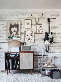 11 Latest Hipster Home Decor Inspiration For Your Home – HomeDecoMalaysia – Home Decor and Interior Design Ideas Casa Hipster, Hipster Home, Interior Design Minimalist, Decor Interior Design, Interior Decorating, Modern Interior, Room Inspiration, Interior Inspiration, Music Corner