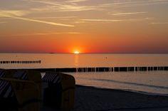 Sonnenuntergang am Strand von Kühlungsborn http://www.kuehlungsborn.de/willkommen/strand-promenade.html