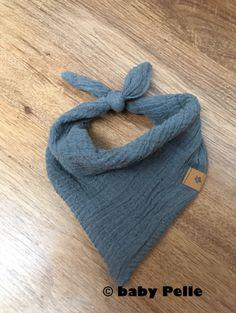 Halstücher - Baby Halstuch Musselin Baumwolle grau - ein Designerstück von babyPelle bei DaWanda