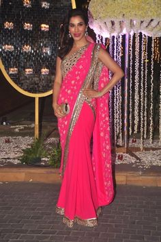 Sophie Choudry In A Hot Pink Manish Malhotra #Saree.