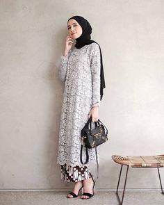 Ideas fashion hijab kondangan for 2019 Kebaya Modern Hijab, Kebaya Hijab, Kebaya Brokat, Dress Brokat, Model Kebaya Muslim, Kebaya Lace, Batik Kebaya, Kebaya Dress, Batik Dress