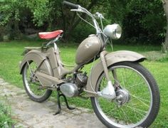 Motorized Bicycle, Mopeds, Classic Bikes, Rotterdam, Scooters, Cars And Motorcycles, Motorbikes, Retro Vintage, Lifestyle