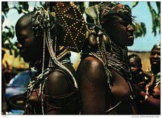 - Afrique - ANGOLA - Belezas Costumes de Angola (Jeunes Femmes seins nus) http://images-01.delcampe-static.net/img_large/auction/000/263/792/229_001.jpg