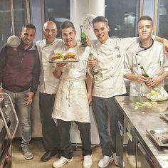 #end of #service ! #fine #servizio #hamburgers  per tutti !! #hamburger #kitchenclosed #cucinachiusa #solopernoi #foodlife #foodpornography #foodpics #foodporn #photogrid  Yummery - best recipes. Follow Us! #foodporn