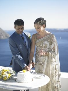 Lovely Couple, Joyful Day, Indian Details, Golden,  Santorini Wedding, Sunshine, Caldera, Sweet Cake