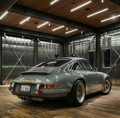 The Porsche 911 is a truly a race car you can drive on the street. It's distinctive Porsche styling is backed up by incredible race car performance. Porsche 911, Porsche Sports Car, Porsche Club, Porsche Carrera, Singer Porsche, Ferdinand Porsche, Singer Vehicle Design, Vintage Porsche, Supercars