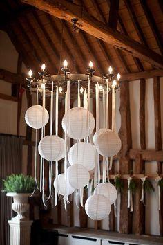 Town & Country: entspannter Luxus in Berkshire, - Arredamento estivo Wedding Lanterns, Wedding Decorations, Paper Lantern Wedding, Ribbon Chandelier, Paper Lantern Chandelier, Hula Hoop Chandelier, Ceiling Chandelier, Summer Decoration, White Paper Lanterns
