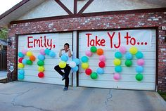 PROMPOSAL/How to ask someone to Prom: can't go wrong with balloons - Hairstyles For All