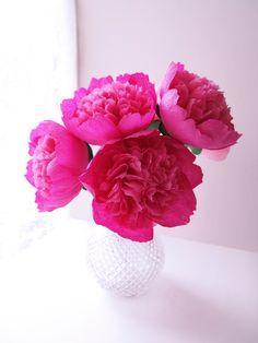 Etsy: wedding, party, Crepe paper pink peonies / Pfingstrosen − handmade by Ameli's Lovely Creations