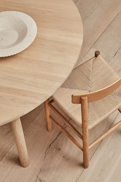 Most of our furniture at Fredericia is crafted from wood, a material appreciated for its inherent beauty and ability to age with grace over time. Wood is a natural material that is a vital part of the world's eco system. So we see it as our duty when working with wood to create functional designs. Honouring the time it takes to grow an oak tree – about 150 years or more. Here is J39 Chair by Børge Mogensen, Locus Bowl by Sofie Østerby and Taro Table by Jasper Morrison. #fredericiafurniture Outdoor Chairs, Outdoor Furniture, Outdoor Decor, Scandinavian Design, Your Space, Home Interior Design, Solid Wood, The Originals, Eco System