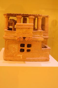 Clay model of a Minoan house, 1600 BC, Knossos, Crete, Greece Greek History, Ancient History, Art History, Historical Artifacts, Ancient Artifacts, Creta, Knossos Palace, Minoan Art, Bronze Age Civilization