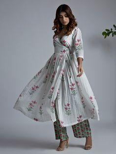 Off White Pink Hand Block Printed Mulmul Angrakha Kurta Kurta Designs Women, Blouse Designs, Indian Dresses, Indian Outfits, Indian Clothes, Pakistani Dresses, Printed Kurti Designs, Angrakha Style, Kurta Patterns