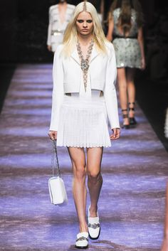 @Paco_Rabanne #catwalk #trends #white #PFW #Paris