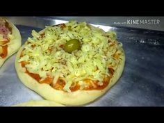 COMO FAZER PIZZA BROTINHO ... - YouTube Mini Pizzas, Focaccia Pizza, Hawaiian Pizza, Baked Potato, Baking, Ethnic Recipes, Youtube, Food, Mop Sauce