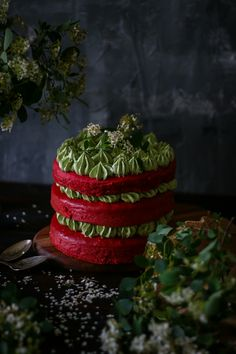 Dieses Rezept ist ein Cross over zwischen Amerikanischer und Afrikanischer Küche. Die Red Velvet Cake ist ein absoluter Klassiker während Moringa aus dem westafrikanischen kommt und als Powerfood bezeichnet werden kann. Es hat unglaublich viele Benefits und gibt dieser Torte das gewisse etwas. ...