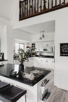 Moderne Herbstausflug – Fall Home Decor Ideas Fall Living Room, Living Room Decor, Dining Room, Spring Home, Autumn Home, Decorating Your Home, Decorating Ideas, Decor Ideas, Mismatched Furniture