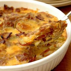 You can certainly use regular potatoes for this dish - but sweet potatoes are so trendy at the moment and are an excellent source of Vitamin A and roughage. South African Recipes, Ethnic Recipes, Rosemary Chicken, Sweet Potato Recipes, Vegetable Recipes, Baking Recipes, Potatoes, Yummy Food, Snacks