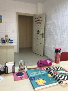 Rehberlik servisi #rehberlik #psikolojikdanışmanlık Inner World, Interior And Exterior, Locker Storage, Living Spaces, Old Things, Room, Home Decor, Interior Design, Home Interiors